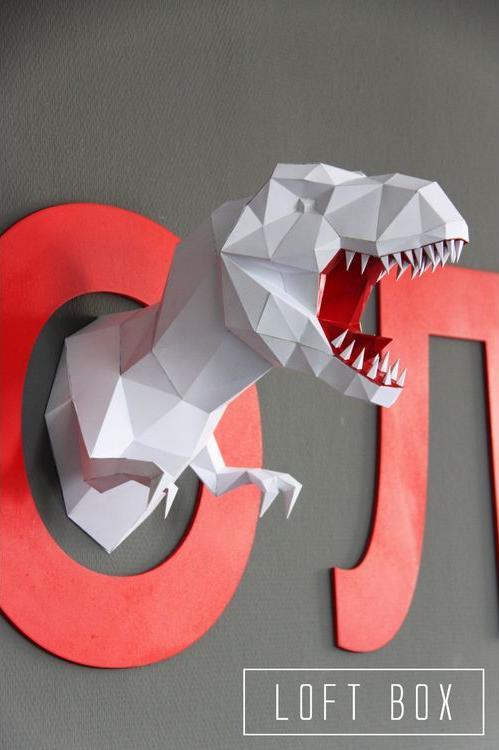 Набор для сборки полигональной фигуры «Динозавр»Полигональные фигуры<br>Набор для сборки полигональной фигуры - креативная новинка от российского бренда LOFT BOX.<br> Для изготовления объемной фигуры из картона не нужны специальные навыки, творческий процесс предельно прост и подробно рассмотрен в инструкции.<br> <br> Как создать п...<br><br>Артикул: Н-Д002<br>Основа: Картон<br>Размер: Высота: 45 см<br>Цвет: Белый