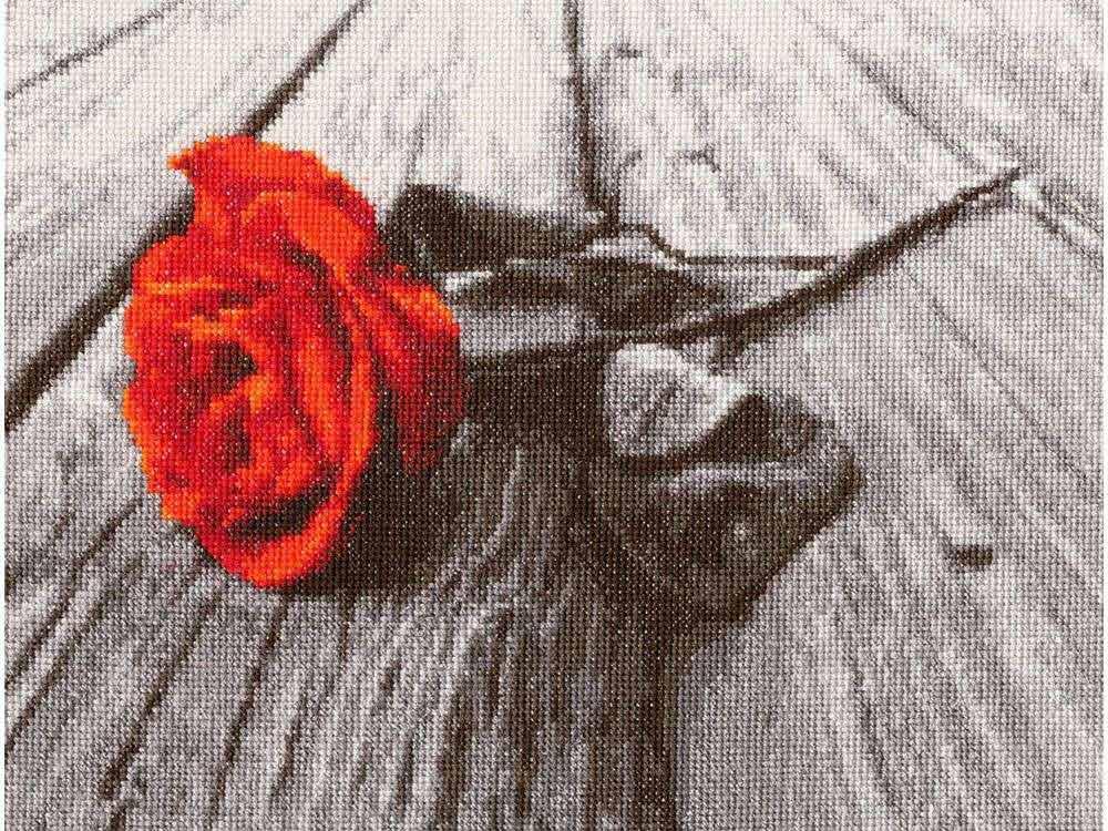 Набор для вышивания «Романс»Вышивка крестом Золотое Руно<br><br><br>Артикул: СМ-021<br>Основа: канва Aida 16<br>Размер: 20,2x26,2 см<br>Техника вышивки: счетный крест<br>Тип схемы вышивки: Черно-белая схема<br>Цвет канвы: Белый<br>Количество цветов: 13<br>Заполнение: Полное<br>Рисунок на канве: не нанесён<br>Техника: Вышивка крестом<br>Нитки: мулине Madeira