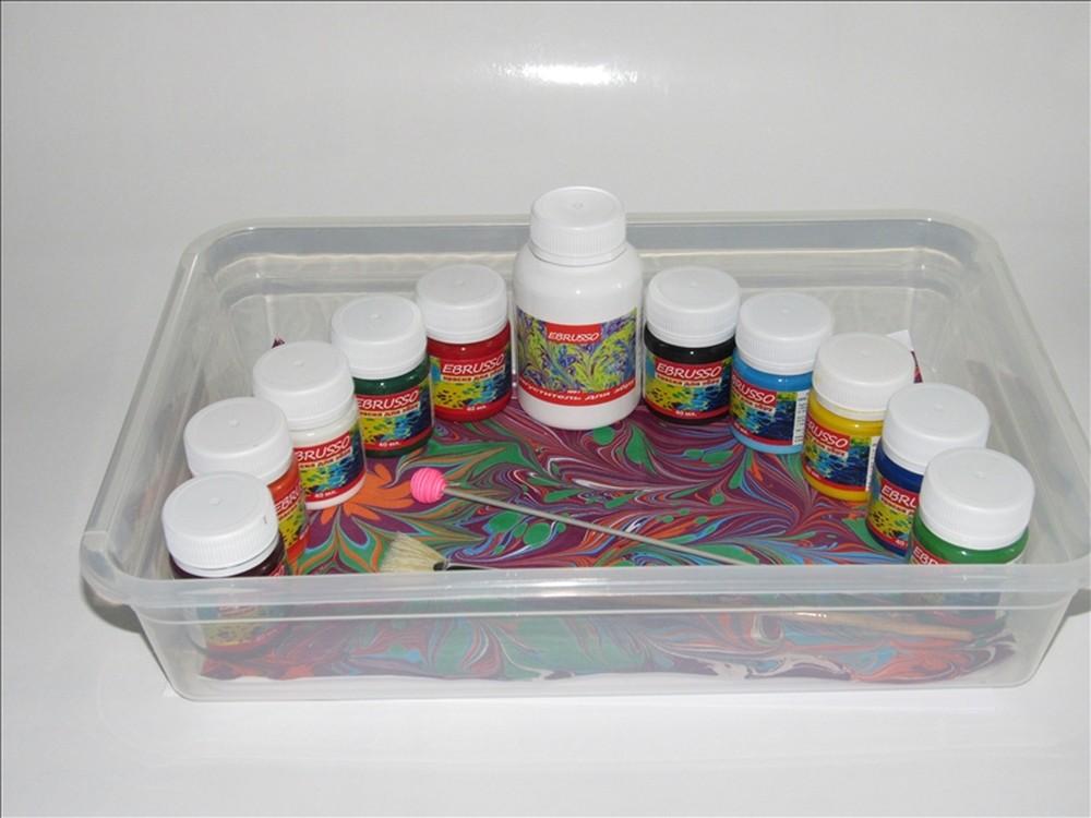 Набор для эбру Ebrusso 10 цветовРисование на воде Эбру<br>Наборы от EBRUSSO помогут научиться создавать произведения искусства с помощью воды и красок. Техника Эбру - искусство рисования на воде, сочетает в себе живопись и эстамп (оттиск на любой поверхности), позволяет воплотить свои эмоции и чувства в карт...<br><br>Артикул: EBR20