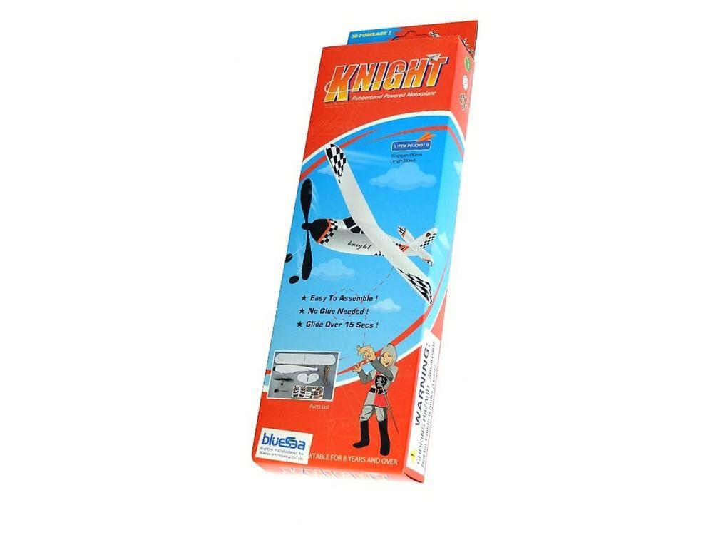 Резиномоторна модель самолета «Рыцарь»Пластиковые конструкторы (Модели дл сборки)<br>Резиномоторна модель планера Bluesea Рыцарь - интересное развлечение дл детей и их родителей. <br> С помощь инструкции ваш ребенок собственными руками сможет собрать планер Рыцарь, а затем запустить в полет с помощь скручивани резиновой ленты, кото...<br><br>Артикул: XA03601<br>Вес: 65 г<br>Материал: Пластик, резина<br>Размер упаковки: 33x11x4 см<br>Возраст: от 6 лет
