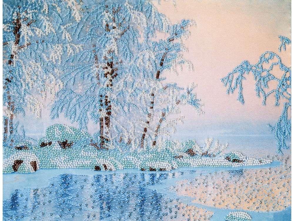 Набор вышивки бисером «Голубое озеро»Вышивка бисером Золотое Руно<br><br><br>Артикул: РТ-149<br>Основа: искусственный шелк<br>Размер: 24,6x31,7 см<br>Техника вышивки: бисер<br>Тип схемы вышивки: Цветная схема<br>Количество цветов: 8<br>Заполнение: Частичное<br>Рисунок на канве: нанесён рисунок и схема<br>Техника: Вышивка бисером