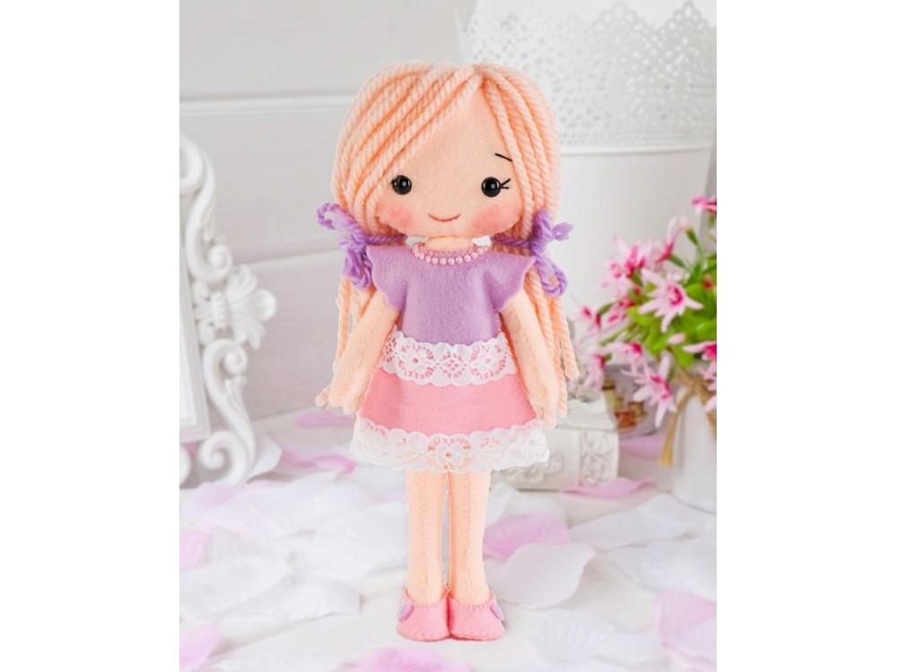 Набор для шитья игрушки «Куколка Лика»Наборы для шитья игрушек<br><br><br>Артикул: 05-17<br>Основа: Фетр<br>Сложность: средние<br>Размер: Высота: 20 см<br>Техника: Шитье<br>Возраст: от 7 лет