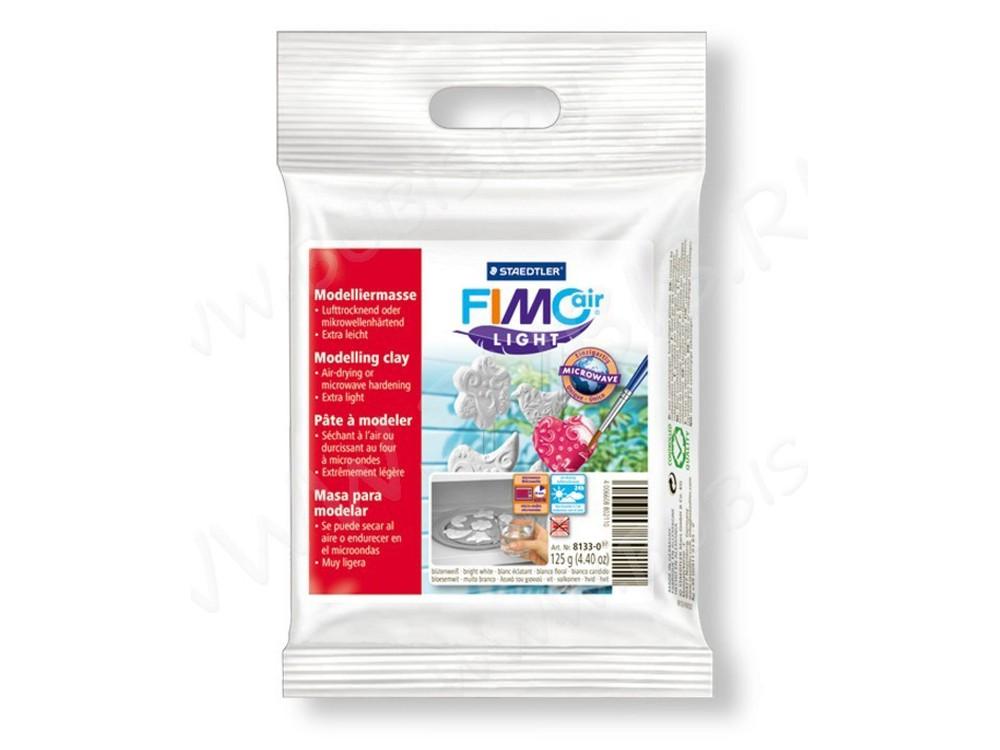 Cамозатвердевающая полимерная глина FIMOair light 0 (белый) 125 гСамозатвердевающая глина<br><br><br>Артикул: 8133-0<br>Вес: 125 г<br>Цвет: Белый<br>Серия: FIMOair light<br>Размер упаковки: 11x11x2 см