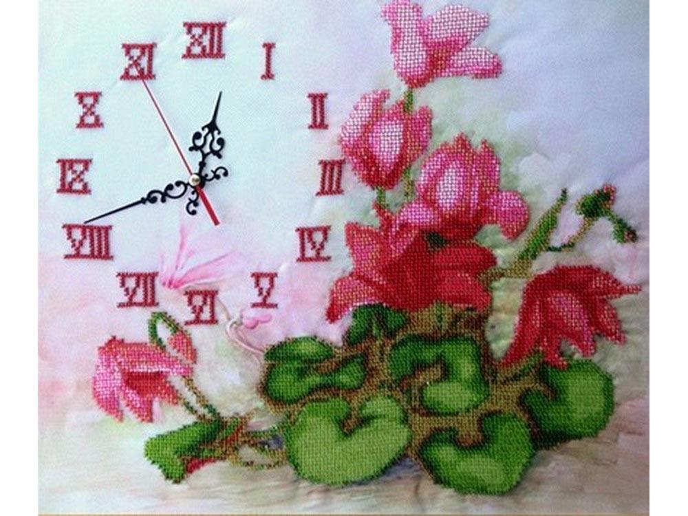 Набор вышивки бисером «Часы с цикламенами»Вышивка часов FeDi<br><br><br>Артикул: КВ528<br>Основа: ткань<br>Размер: 30x35,5 см<br>Техника вышивки: бисер<br>Тип схемы вышивки: Цветная схема<br>Количество цветов: 13<br>Заполнение: Частичное<br>Рисунок на канве: нанесён рисунок и схема<br>Техника: Вышивка часов