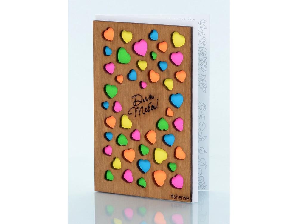 Деревянная открытка «Сердечки»Деревянные открытки<br>Деревянные открытки и денежные конверты - прекрасная возможность сделать яркий подарок для тех, кто ценит оригинальность, однако не забывает о традициях. И креативность такого презента заключена не только в необычной деревянной первой странице, ведь в...<br><br>Артикул: 5.2.3<br>Размер см: 12,5x8<br>Материал: Дерево, бумага<br>Упаковка: прозрачная полиэтиленовая пленка-конверт