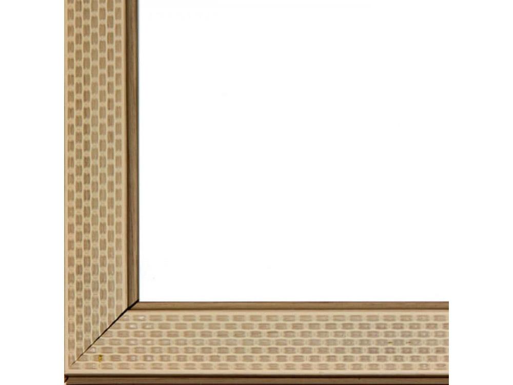 Рамка без стекла для картинБагетные рамки<br>Лист ДВП предназначен для защиты рамки от случайного удара, поэтому он выходит за пределы багета. Также углы рамки дополнительно упакованы в картонные уголки. Весь комплект упакован в термоусадочную пленку.<br><br>Артикул: BE032<br>Размер: 30x40 см<br>Цвет: Бежевый<br>Ширина: 30 мм<br>Материал багета: Пластик<br>Толщина: 27 мм<br>Глубина багета: 12 мм