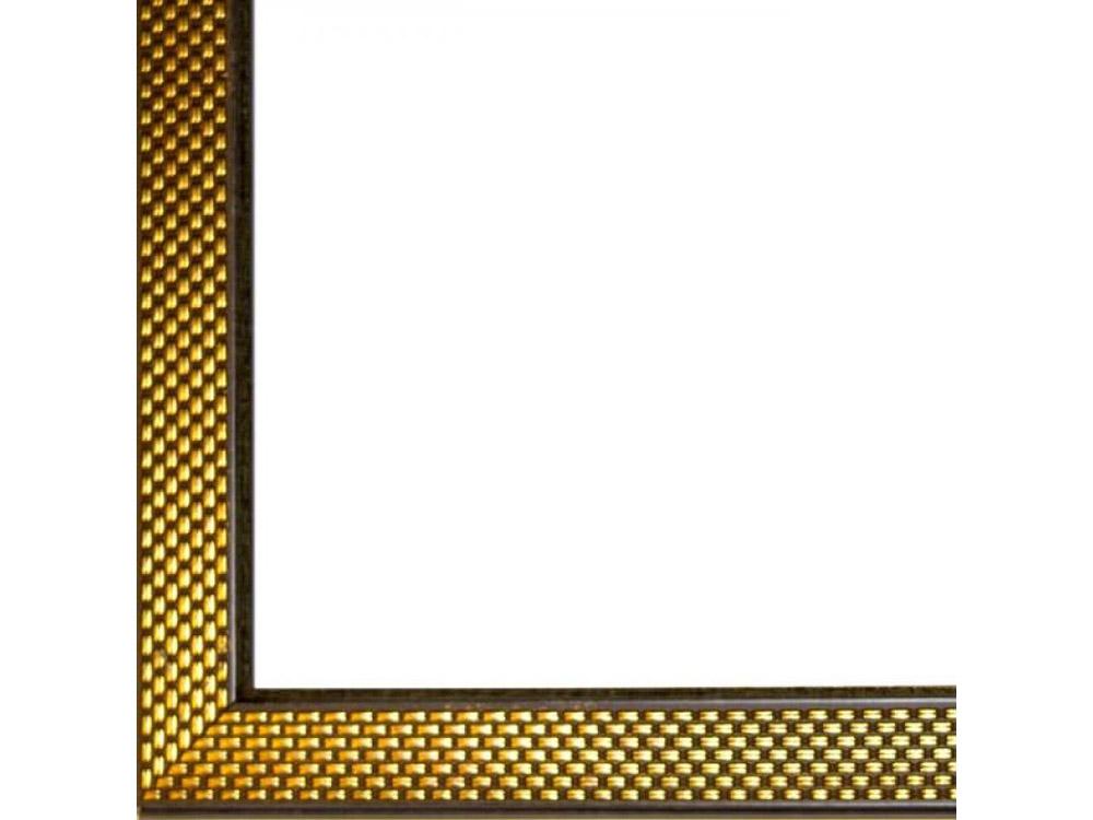 Рамка без стекла для картинБагетные рамки<br>Лист ДВП предназначен для защиты рамки от случайного удара, поэтому он выходит за пределы багета. Также углы рамки дополнительно упакованы в картонные уголки. Весь комплект упакован в термоусадочную пленку.<br><br>Артикул: BC033<br>Размер: 20x30 см<br>Цвет: Золото<br>Ширина: 30 мм<br>Материал багета: Пластик<br>Толщина: 27 мм<br>Глубина багета: 12 мм