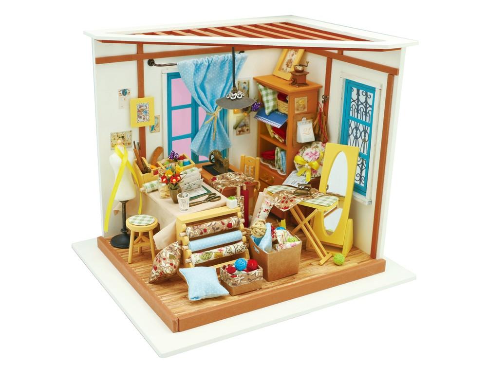 Набор для создания миниатюры (румбокс) «Кукольное ателье»Наборы для создания миниатюр<br>Румбокс — это набор-конструктор для создания кукольного интерьера в миниатюре. <br> С помощью ножниц и клея вы сможете собрать удивительно детализированный интерьер одной комнаты. Каждый элемент собирается из деревянных и бумажных составляющих. Изю...<br><br>Артикул: DG101<br>Размер: 22,5x18,5x19 см<br>Упаковка: подарочная коробка