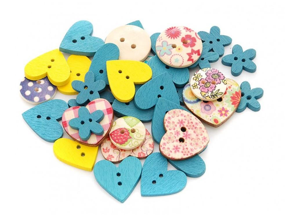 Пуговицы декоративные Ассорти №2Бумага и материалы для скрапбукинга<br>Набор декоративных пуговиц прекрасно подойдет для украшения детской одежды, одежды для кукол или же при создании композиций в стиле скрапбукинг или кардмейкинг. В наборы входят пуговицы различных цветов и размеров.<br><br>Артикул: 874-DB<br>Размер: 1,3-2,5 см<br>Количество: 40 шт.<br>Материал: Дерево