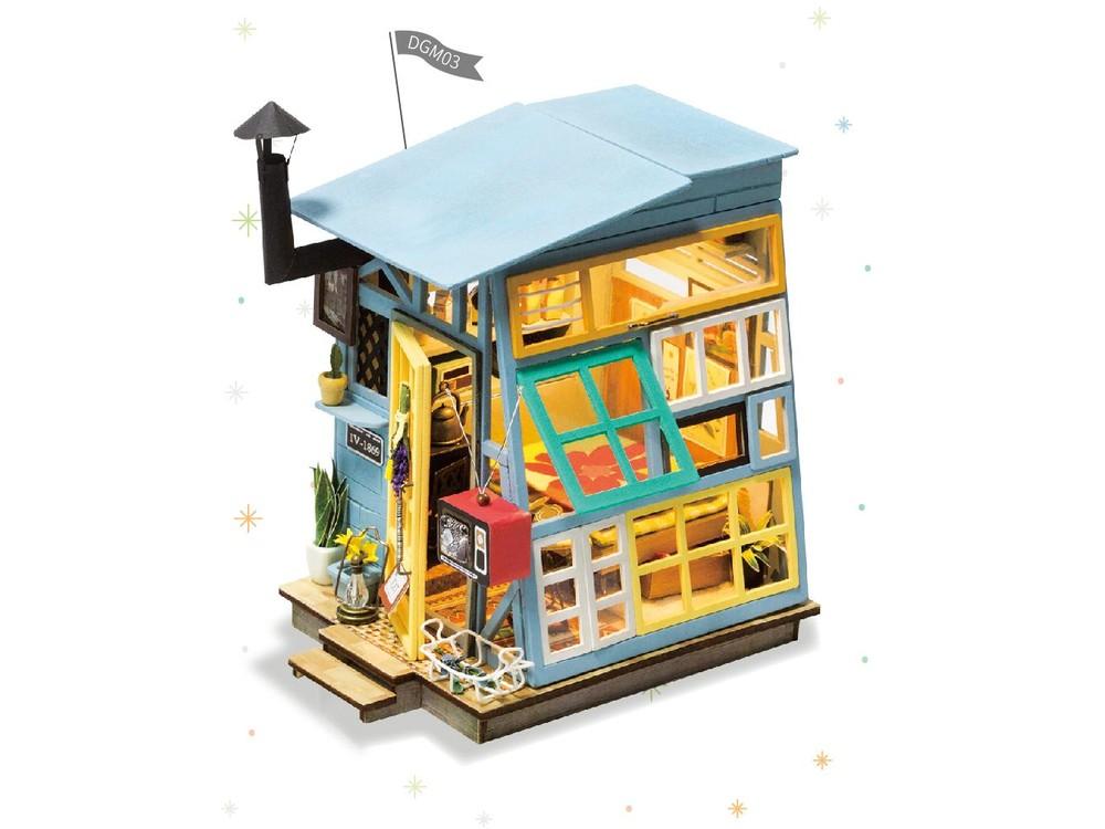Набор для создания миниатюры (румбокс) «Чердачок»Румбоксы<br>Румбокс — это набор-конструктор для создания кукольного интерьера в миниатюре. <br> С помощью ножниц и клея вы сможете собрать удивительно детализированный интерьер одной комнаты. Каждый элемент собирается из деревянных и бумажных составляющих. Изю...<br>