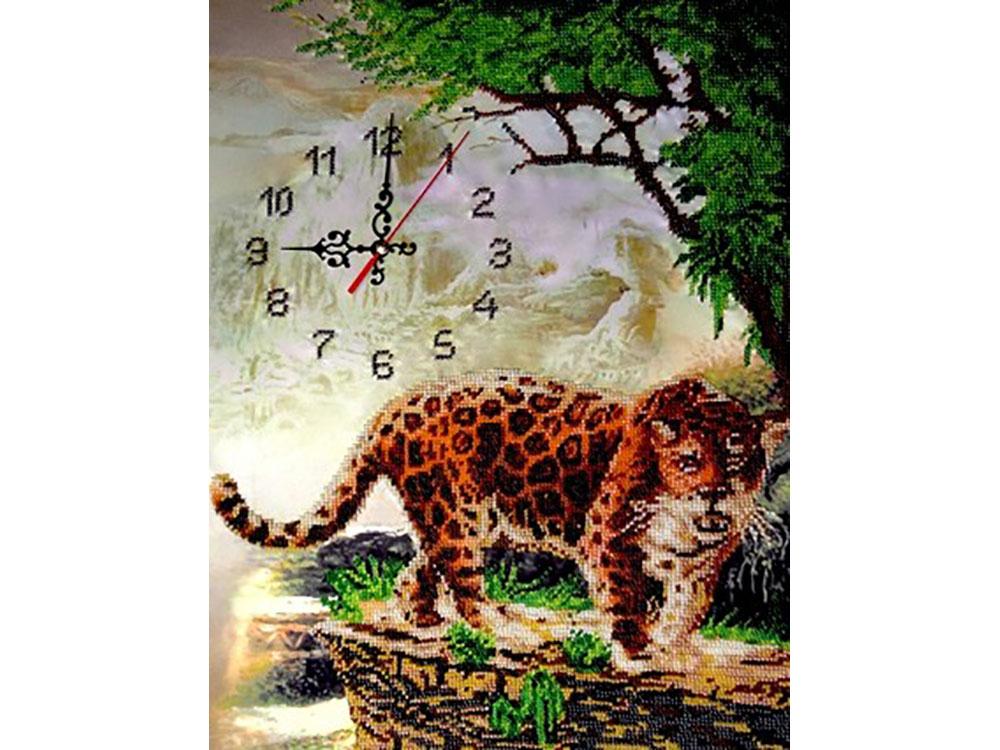 Набор вышивки бисером «Часы с леопардом»