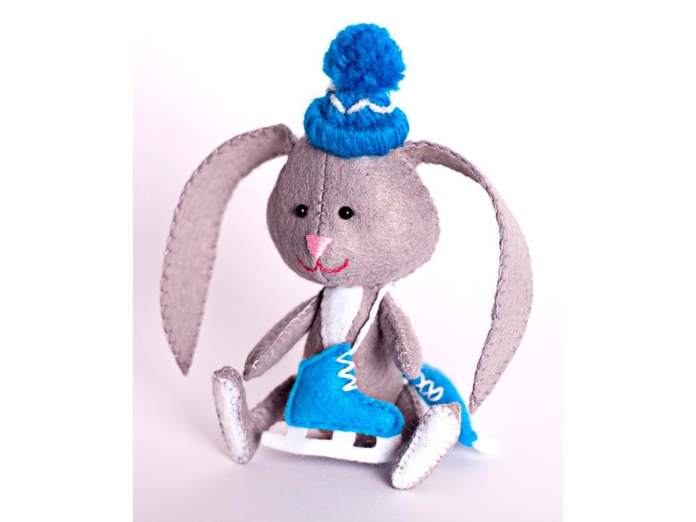 Набор для шитья «Зайчонок с коньками»