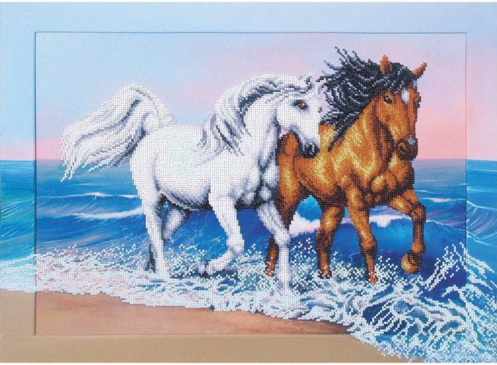 Купить Вышивка бисером, Набор вышивки бисером «Бегущие по волнам», Магия канвы, 50x37 см, Б-173