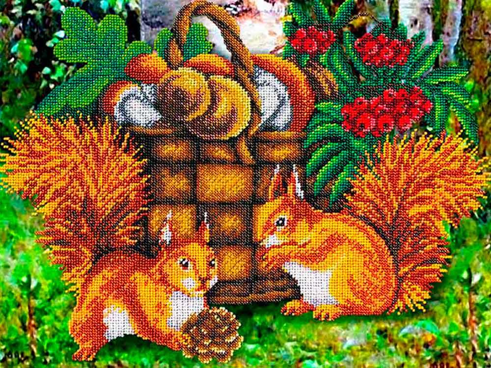 Купить Вышивка бисером, Набор вышивки бисером «Белочки», Паутинка, 38x28 см, Б-1490