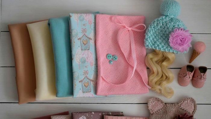 На фото изображено - Необычное увлечение: шитье кукол, рис. Материалы для шитья куклы