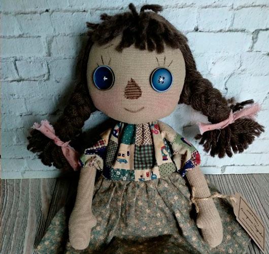 На фото изображено - Необычное увлечение: шитье кукол, рис. Чердачная кукла 1
