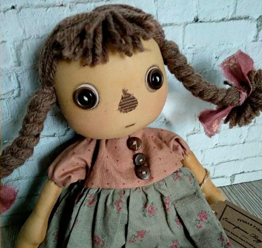 На фото изображено - Необычное увлечение: шитье кукол, рис. Чердачная кукла 2